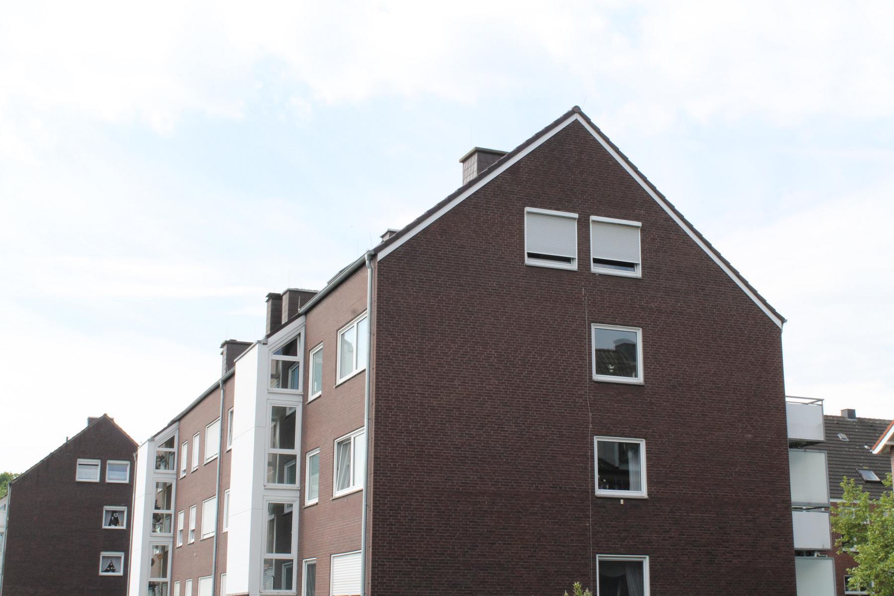 Dachsanierung Mehrfamilienhaus Referenzobjekt 42